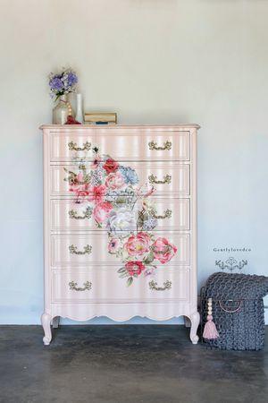 French provincial dresser for Sale in Rialto, CA