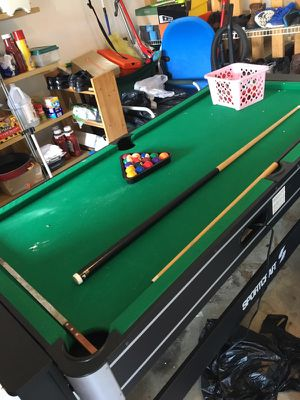Air hockey and pool table for Sale in Edgemere, MD