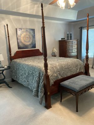 American Drew Cherry Bedroom Suite for Sale in Cornelius, NC