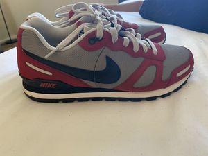 Men's Nike Shoe size 9.5 for Sale in Phoenix, AZ
