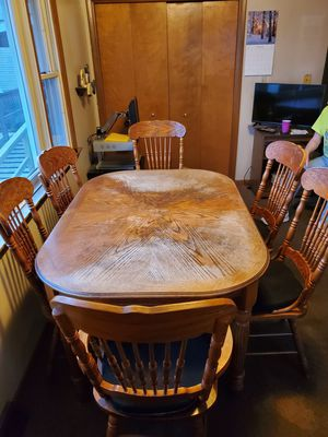 Dining room table and 6 chairs for Sale in Lancaster, PA