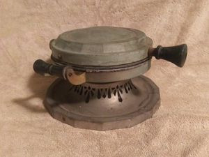 OLD ANTIQUE HOTPOINT WAFFLE IRON for Sale in Chesapeake, VA