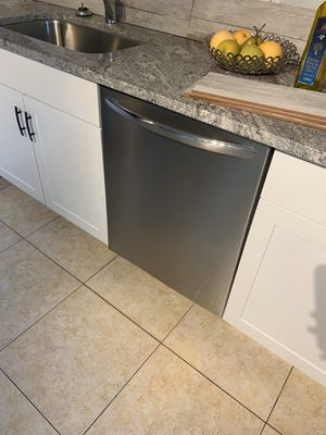Stainless steel dishwasher!!!!! for Sale in Tampa, FL