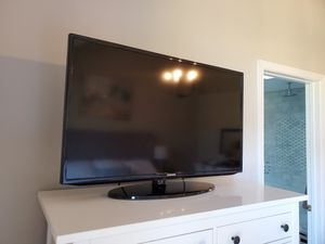 Samsung UN40EH5300 40-Inch 1080p 60Hz LED HDTV for Sale in Fairfax, VA