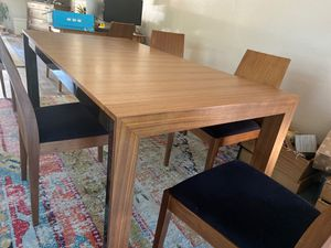 Dining table and 6 chairs for Sale in Las Vegas, NV
