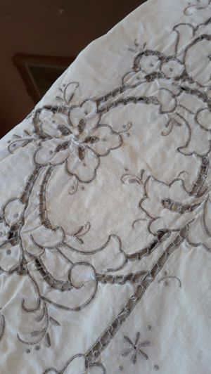 Spanish Cotton vintage tablecloth 8 ' x 4.5' good condition has a small not very noticeble stain for Sale in Chula Vista, CA