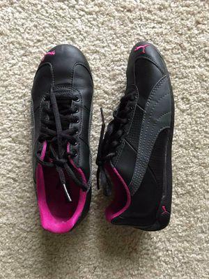 Black/pink Puma sneakers for Sale in Fairfax, VA