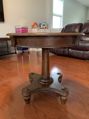 Solid wood end table for Sale in Holly Springs, NC