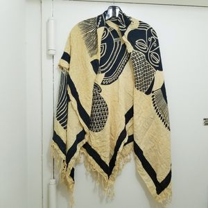 Womens shawls one size for Sale in Herndon, VA
