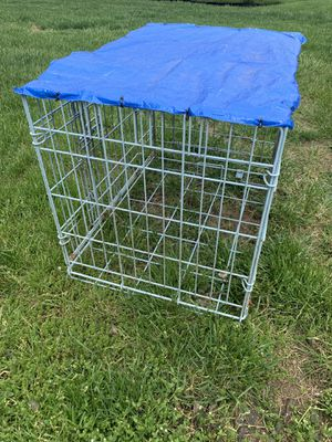 Small cage $10 for Sale in Mohrsville, PA