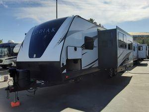 2017 Coachmen Kodiak 288BHS for Sale in Garden Grove, CA