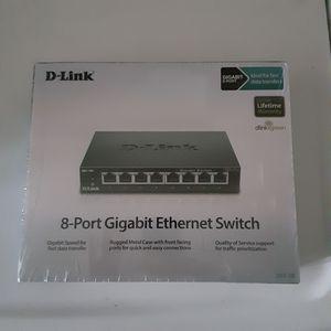 D-Link 8-port Gigabit Ethernet switch. for Sale in Pico Rivera, CA