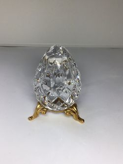 Vintage Cut Crystal Egg With Stand for Sale in Mukilteo,  WA