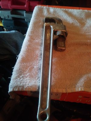 SCHICK. ALUMINUM 14 1/2 INCH PIPE WRENCH for Sale in Columbus, OH