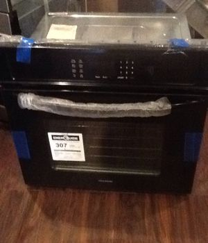 New open box black frigidaire electric wall oven FFEW3026TBB for Sale in Lawndale, CA