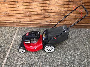 Honda powered lawn mower for Sale in Bellevue, WA