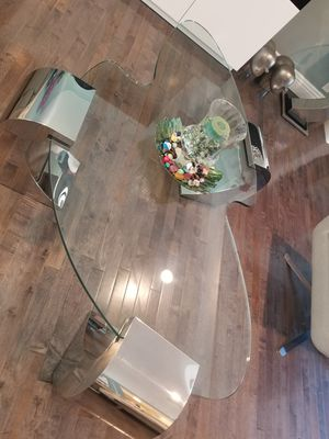Modern and elegant coffee and side table for Sale in Orange, CA