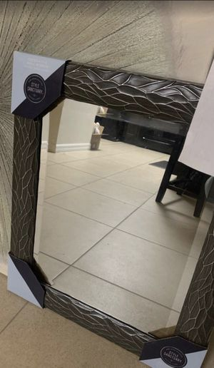 Wall Mirror Brand New (21x26inch) for Sale in Kissimmee, FL