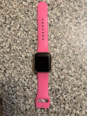 Apple Watch ⌚️ Series 4 . Never used it Really!!! for Sale in Shannon, MS