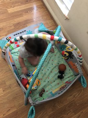 Bright starts 5 in 1 play mat for Sale in Pasadena, TX