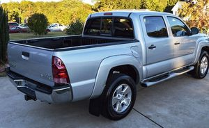 For sale 2005 Toyota Tacoma 4WDWheels Clean Carfax for Sale in Erie, PA