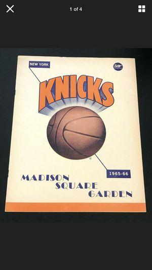 1965-66 NBA CINCINNATI ROYALS vs. NEW YORK KNICKS GAME PROGRAM UNSCORED OSCAR ROBERTSON for Sale in Haines City, FL