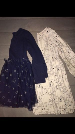 Toddler girl lots of clothes sbundle ropa de niña y zapatos for Sale in San Jose, CA