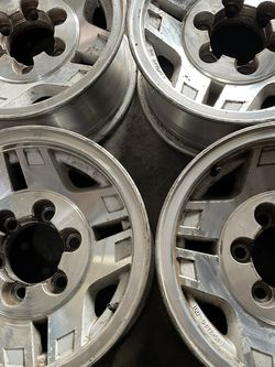 15 Inch Toyota 4Runner Tacoma Rims for Sale in Los Angeles,  CA