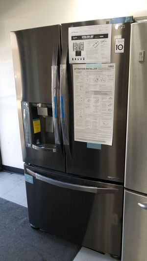 "36""width LG black stainless steel fridge new for Sale in Temple Hills, MD"
