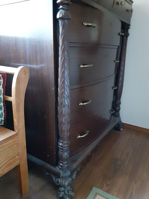 Solid mahogany dresser w/mirror