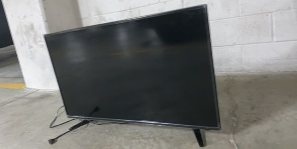 40 inch insignia TV
