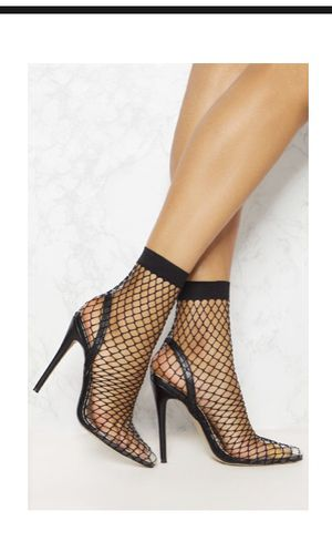 Fishnet pump size 7 for Sale in Washington, DC
