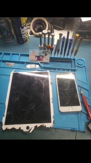 Iphone 8, iphone 7 for Sale in Phoenix, AZ