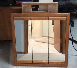 FREE bathroom vanity mirror / medicine chest wall mount for Sale in Federal Way, WA