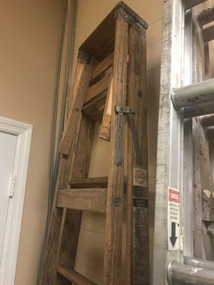8' Davidson Wood Ladder for Sale in Orlando, FL