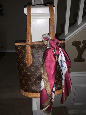 Louis Vuitton petit monogram bucket bag for Sale in Winchester, CA
