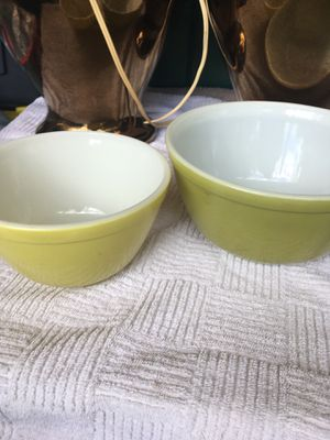 2 Vintage Pyrex nesting bowls mixing for Sale in Murrieta, CA