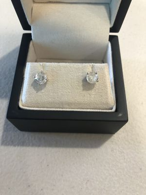 .60 & .65 round diamond stud earrings 14k White Gold SI1 & I3 Clarity J&G Color. for Sale in Tampa, FL