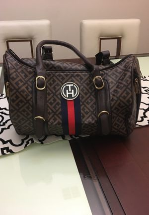 Hand bag for Sale in Kissimmee, FL