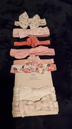 $4 - 8 Baby Girl Headbands - New & Very Gently used for Sale in Moreno Valley, CA