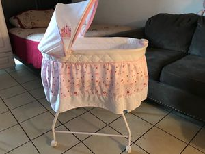 BABY BASSINET for Sale in Lake Forest, CA