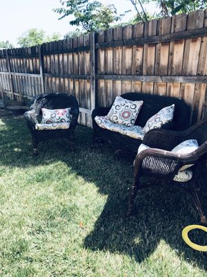 Wicker conversation set for Sale in Calimesa, CA