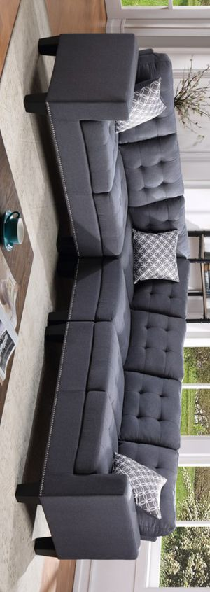 Logan sectional sofa gray for Sale in Houston, TX
