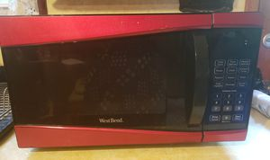West Bend 900 W Microwave for Sale in Ewing Township, NJ