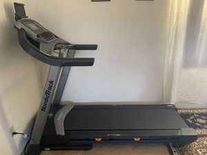 NordicTrack C 1070 Treadmill for Sale in East Los Angeles, CA