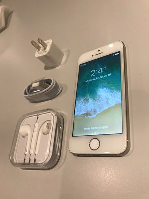Apple iPhone 5S White Silver 16 GB Unlocked Desbloqueado For Any Company T-Mobile AT&T Simple Mobile Cricket Claro Dominican Republic Works Overseas for Sale for sale  Bronx, NY
