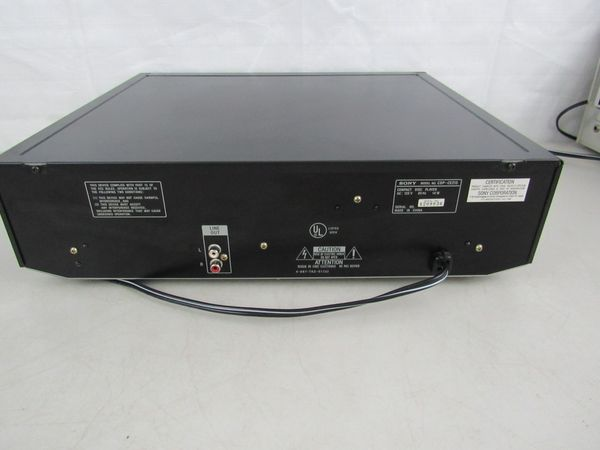 Sony 5 Disc CD Changer Player Carousel CDP-CE215 Tested / WORKS