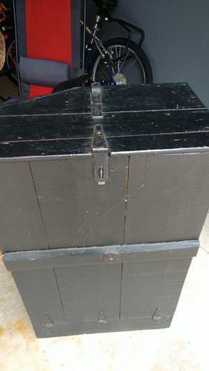 Antique wooden storage crate for Sale in Hudson, IL