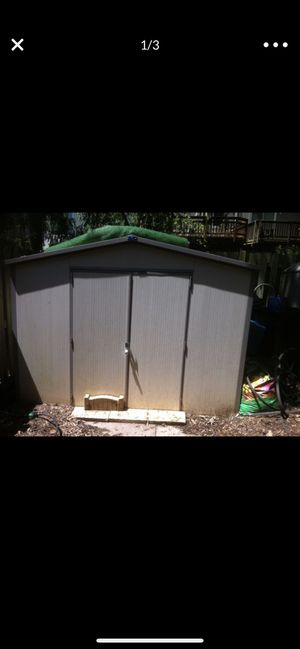 8 x 6 Royal vinyl shed for Sale in Vienna, VA