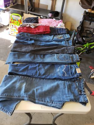 Girls clothes sz 10-14 for Sale in Tucson, AZ